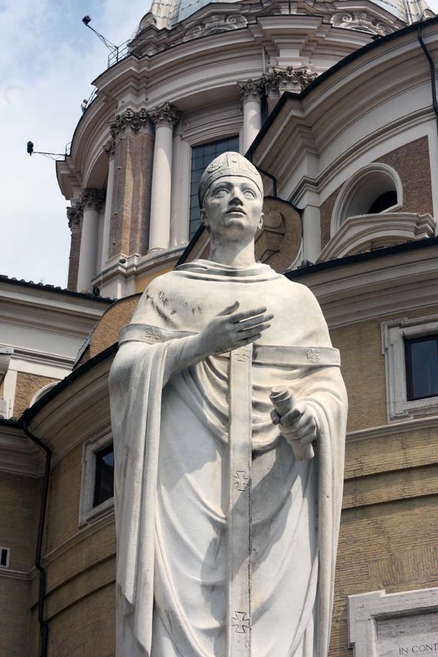 rome-passeggiata-discover-architecture-roman-priest-06