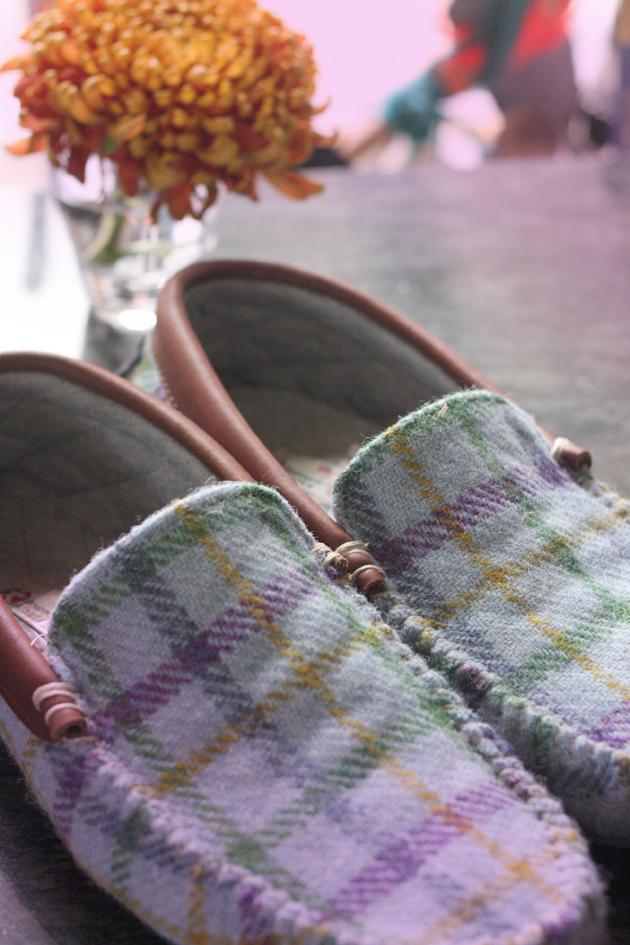 bedroom-atheltics-harris-tweed-slippers-04