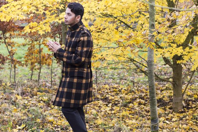 burberry-prorsum-fall-winter-2011-ronan-summers-look-04