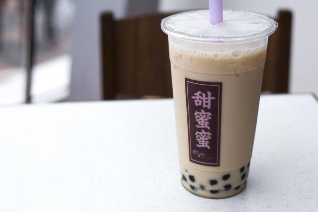 hong-kong-photo-diary-peak-tram-09-bubble-tea