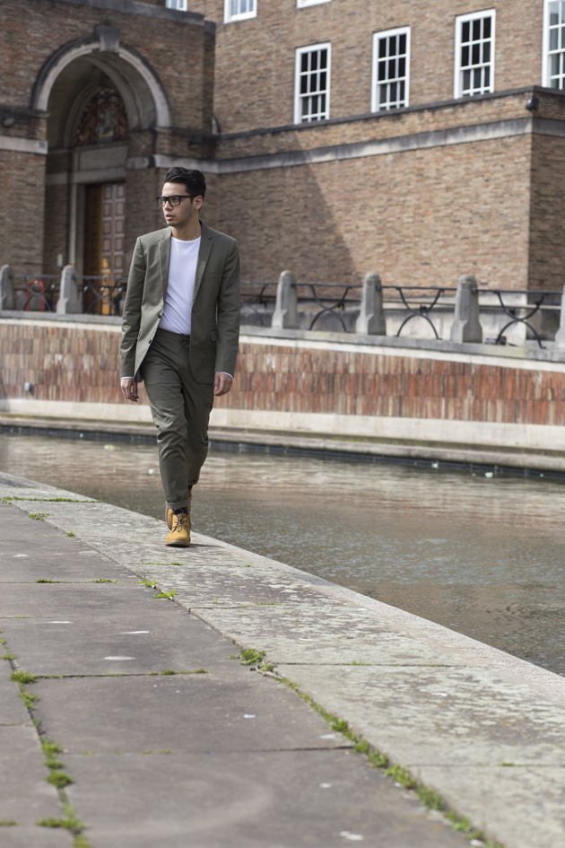 forever-21-men-spring-summer-2015-styled-by-ronan-summers-look2-olive-chino-suit-06-s