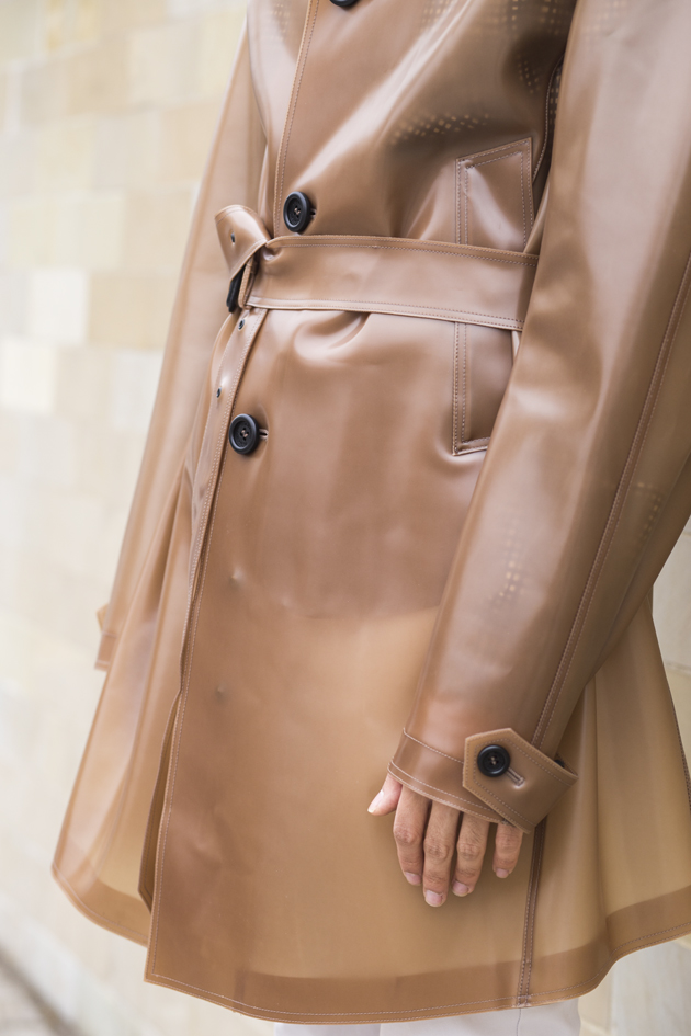 burberry-prorsum-pvc-trench-coat-see-through-ronan-summers-10-details