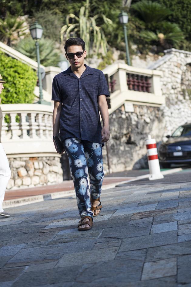 valentino-mens-ss15-fiori-esplosione-print-trousers-montecarlo-15