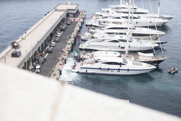 monaco-montecarlo-bay-quay-yachts-port