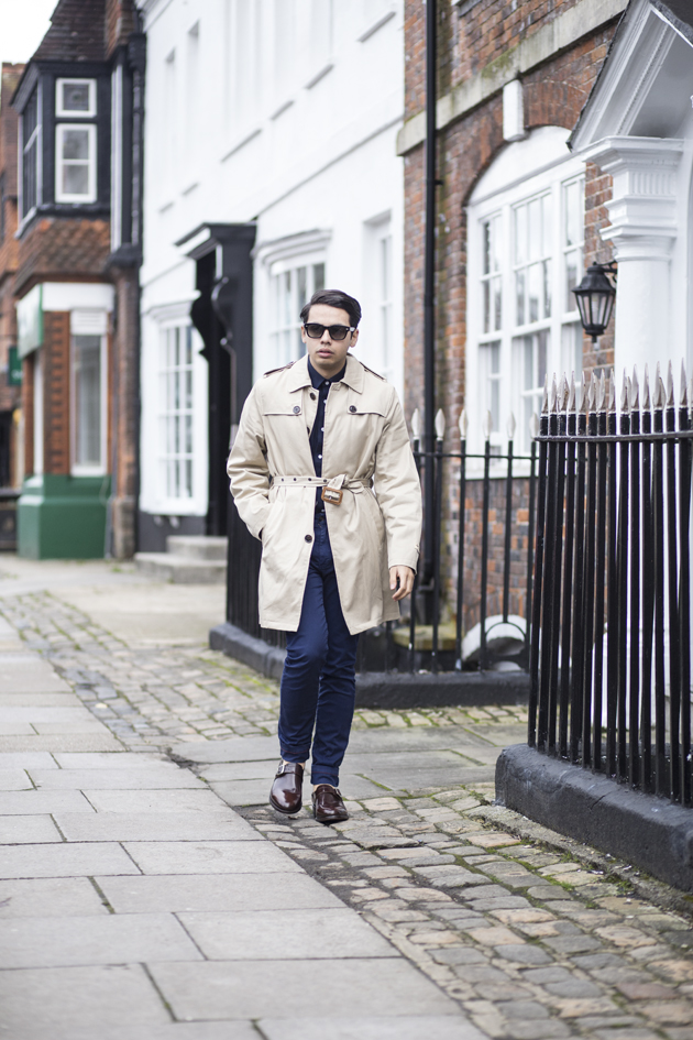 samuel-windsor-aw15-gabardine-trench-ronan-summers-look01-02-s