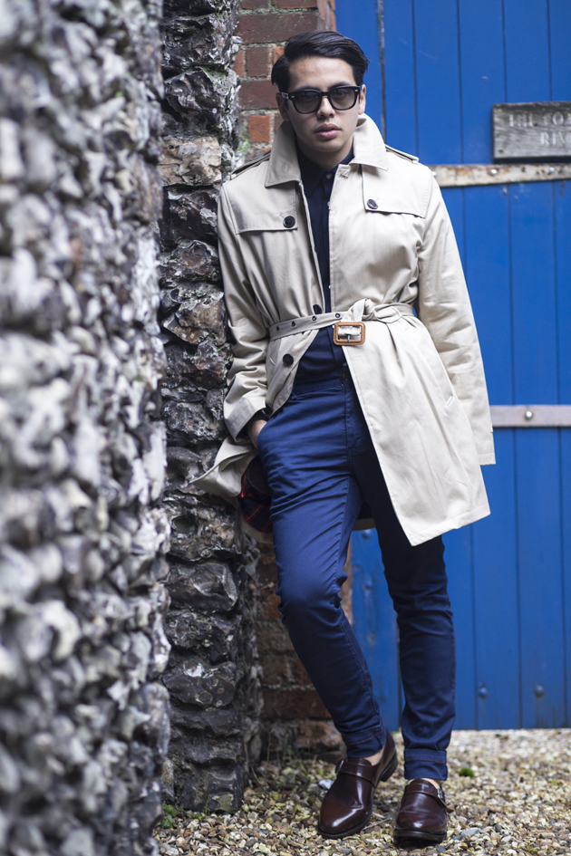 samuel-windsor-aw15-gabardine-trench-ronan-summers-look01-06