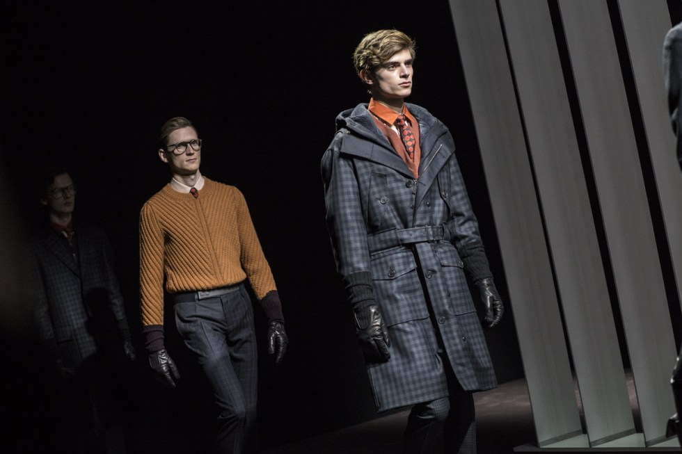Canali FW16 runway show by Andrea Pompilio during MFW day 4, finale with a close attention to print oversized trench coat