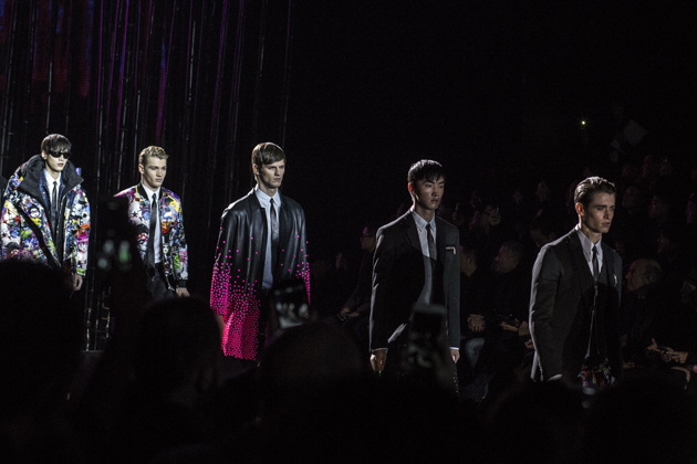 dsquared2-autumn-winter-2016-lucky-blue-smith-finale-09