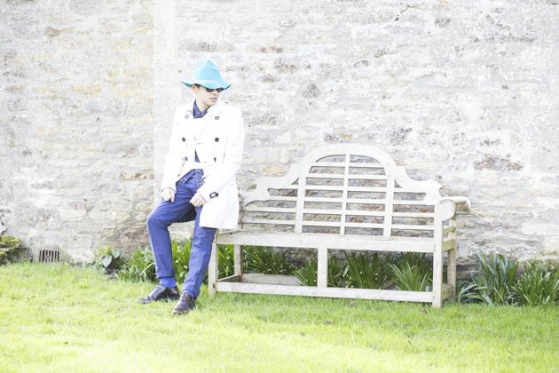 burberry-prorsum-spring-summer-2015-bucket-hat-trenchcoat-ronan-summers-04-s