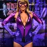 sara-underwood-bustice-cosplay-pre-comic-con-2011-1