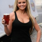 Jennifer+Ellison+Supports+Beer+Pubs+Campaign+FMkiEXICz8ql