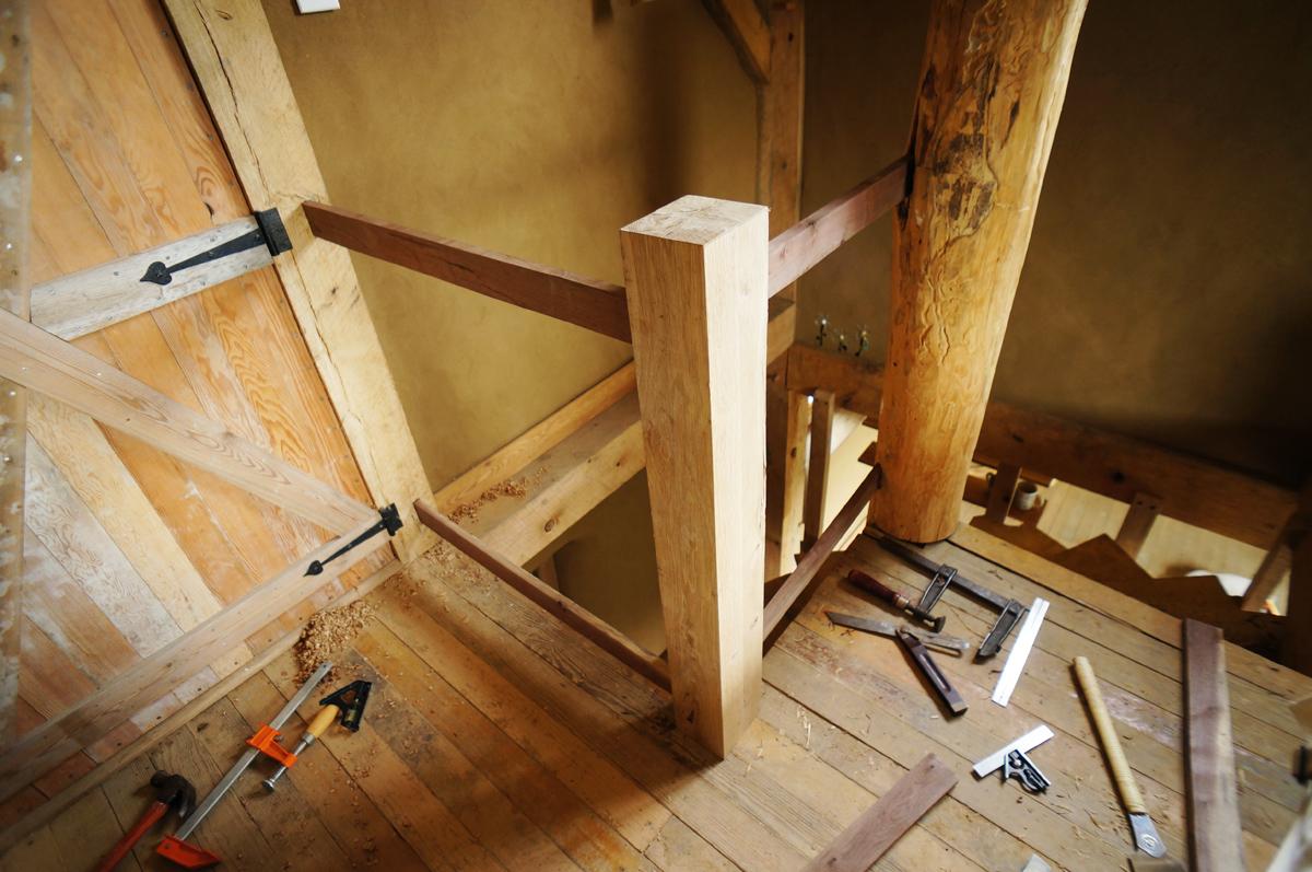 Interior Wooden Stair Railing Design