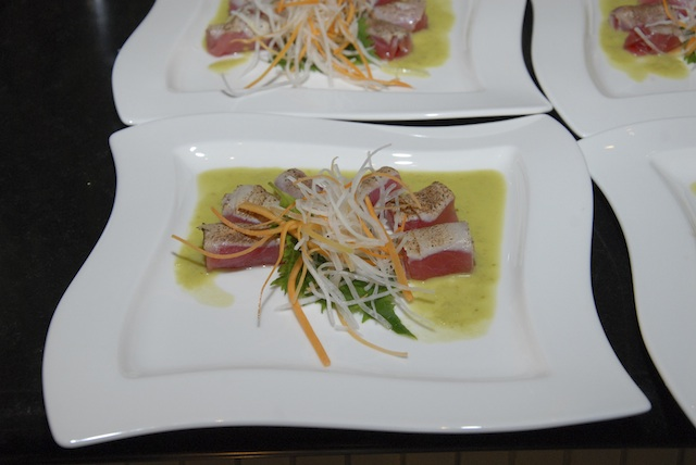 Seared Tuna Sashimi with Jalepeño Dressing