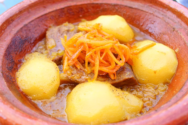Beef tagine with pears and candied oranges - Faim D'epices