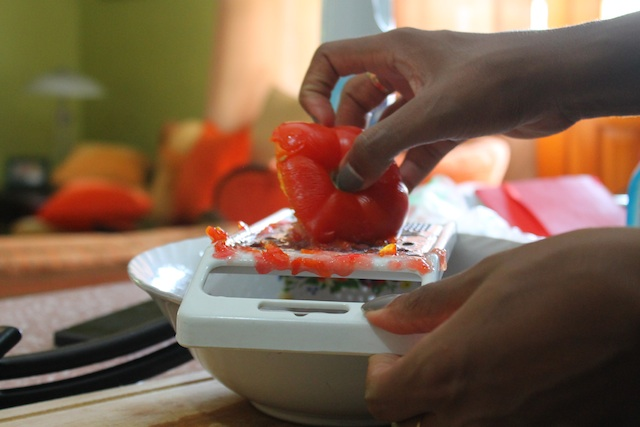 Grating Salad Tomato