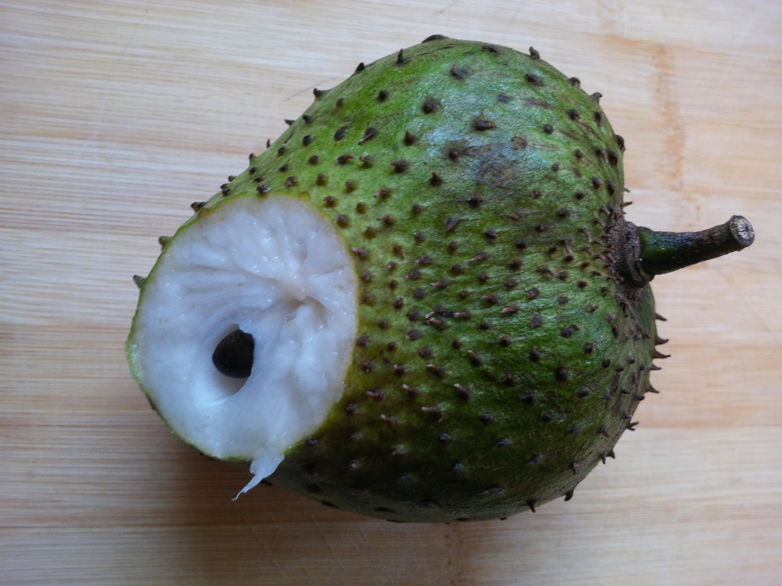 how to eat guyabano fruit