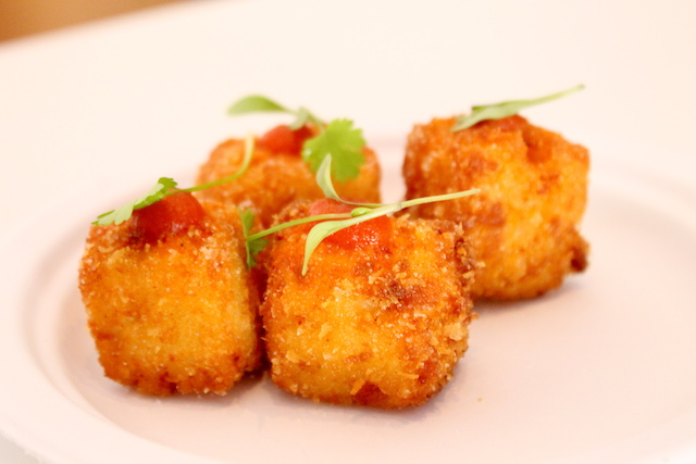 Mac and cheese Crisps