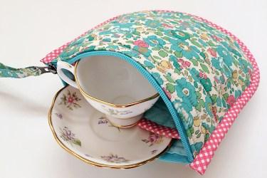 teacup carrier main