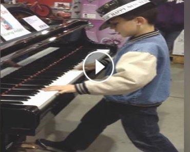 boy-plays-piano
