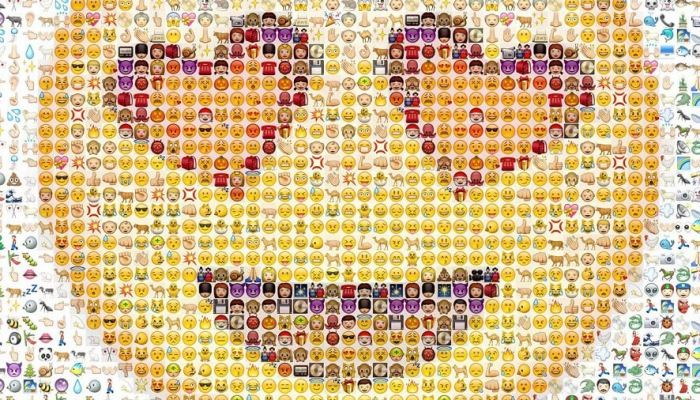 emoji with heart shaped eyes made up of many small emojis
