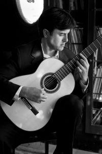Leonardo Garcia, guitar