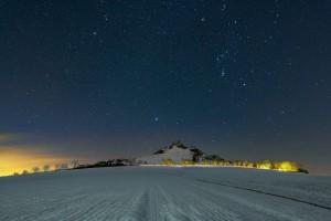 Winter Sternenhimmel über dem Desenberg
