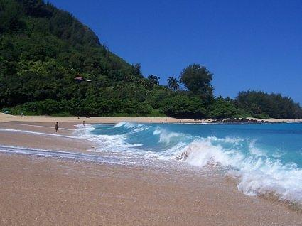 Turquoise waters of Hanalei Bay, Kauai