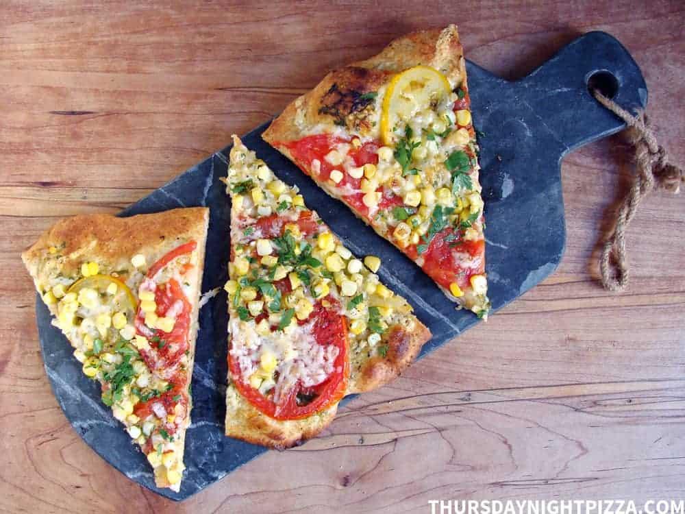 tomato-and-corn-pizza_3-slices_stamp