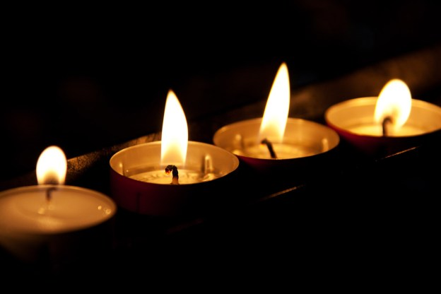 burning-candles-in-the-dark
