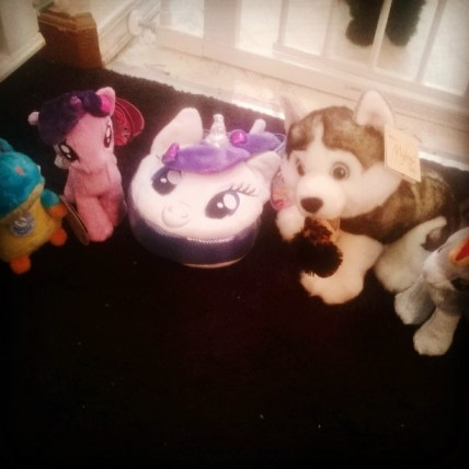 Singing, sounds, pony's and more.