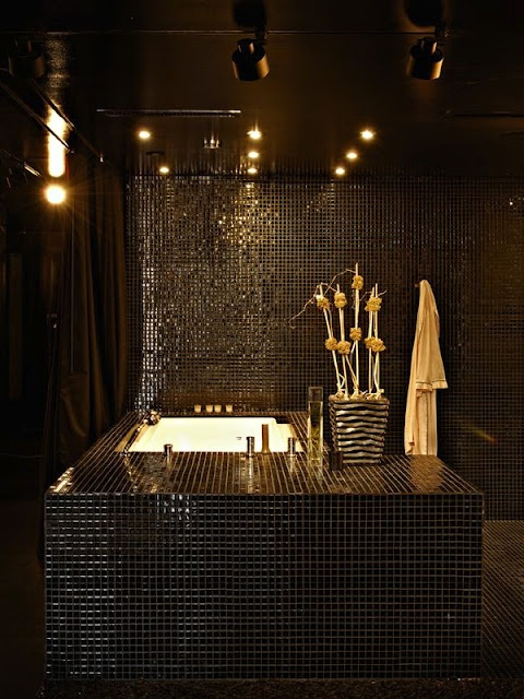 Got any blacker 10 sexy black bathrooms you need to for Clive christian bathroom designs