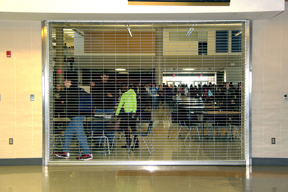 open campus lunch Have you ever gone off campus for school lunch if you have, odds are you are a junior or senior, or an underclassman who has snuck off campus at paint branch high.