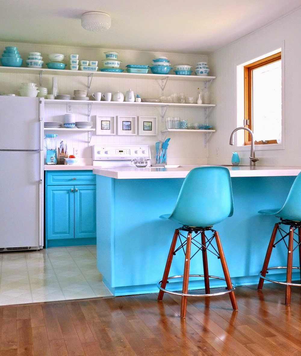 DIY Turquoise Kitchen Makeover via Dans le Townhouse