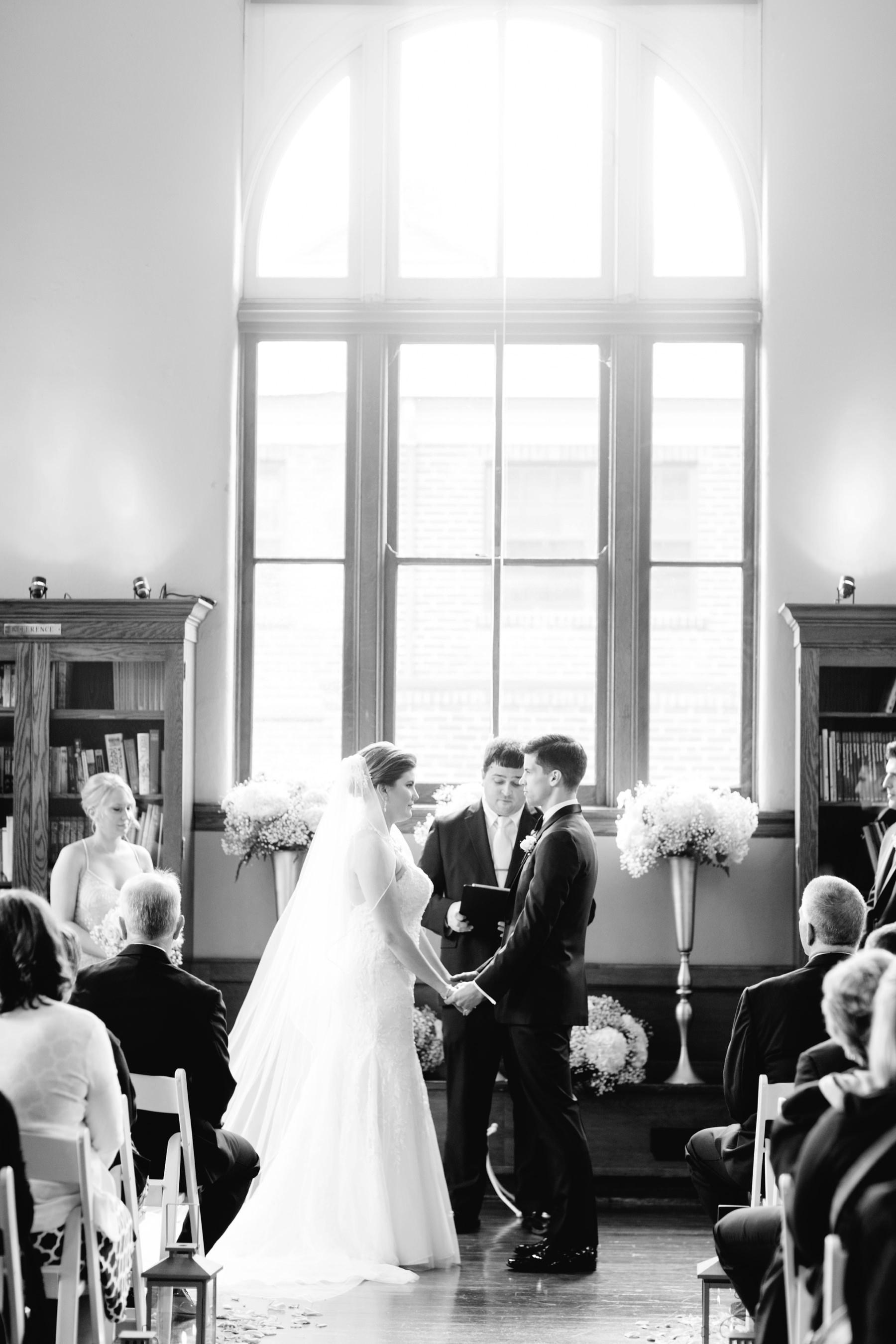 Tire Swing Photography | Carnegie Center of Columbia Tusculum Wedding_0022