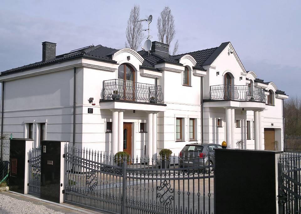 Budynek mieszkalny dwulokalowy w Lesznowoli