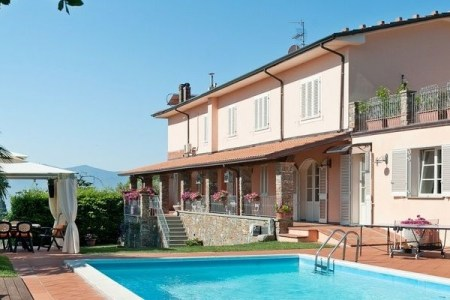 villas in lucca tuscany