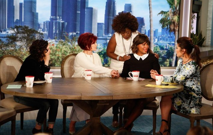 "Aisha Tyler Sobs During Anncement That She's Leaving ""The Talk"""
