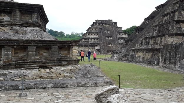 zona-arqueologica-tajin13