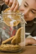 Como decorar un frasco de vidrio para galletitas con papel Tisu