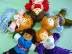Como hacer muñecas con lanas y fieltro