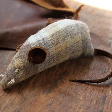 como hacer ratones de fieltro