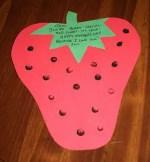 Como hacer una tarjeta en forma de frutilla