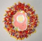 Manualidades de infantiles para el dia de la madre: corona con caramelos