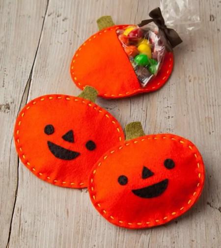 Calabazitas de fieltro porta dulces para halloween todo manualidades - Como hacer calabazas de halloween ...