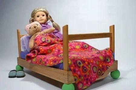 como hacer una cama para muñecas