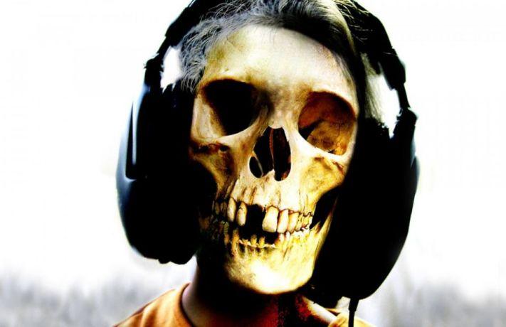 skeleton-headphones