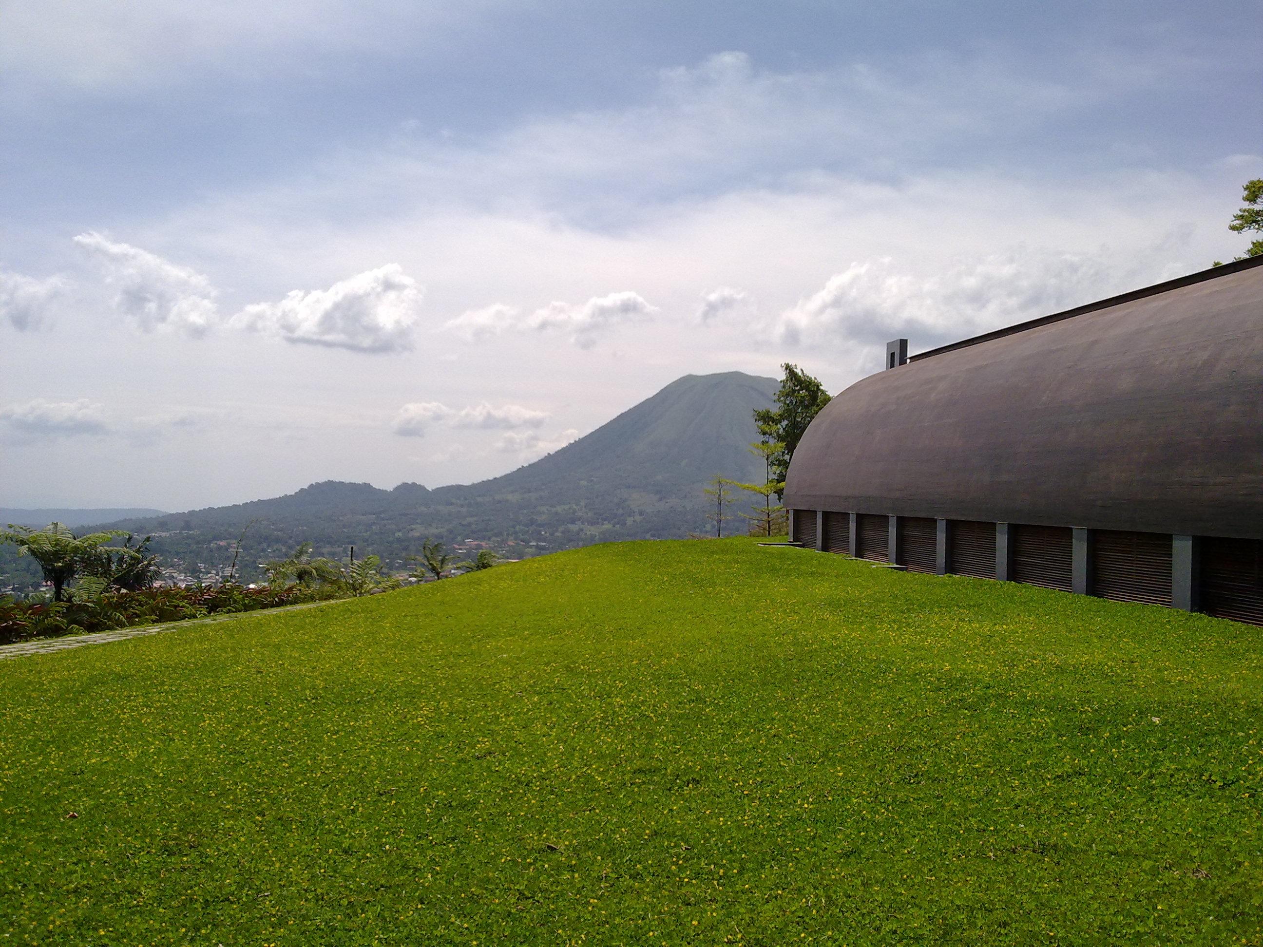Objek Wisata Religius Bukit Doa Tomohon