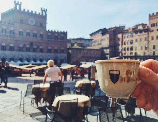 Caffè in Piazza del Campo