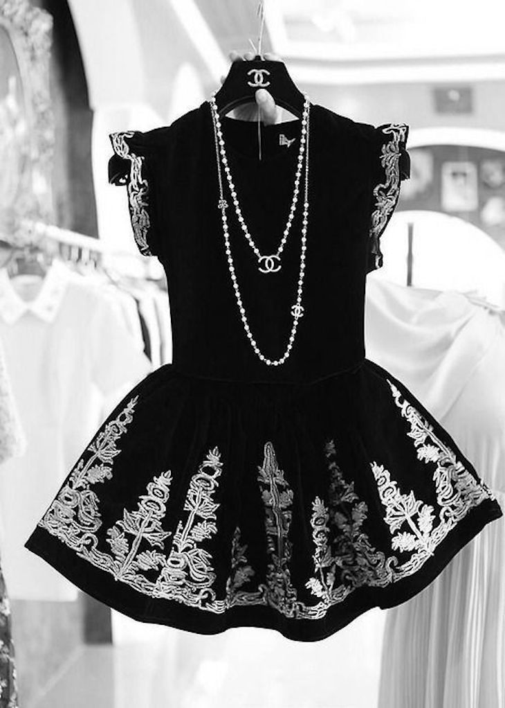 Top 10 Valentine's Day Outfit Ideas - Black and White Dress
