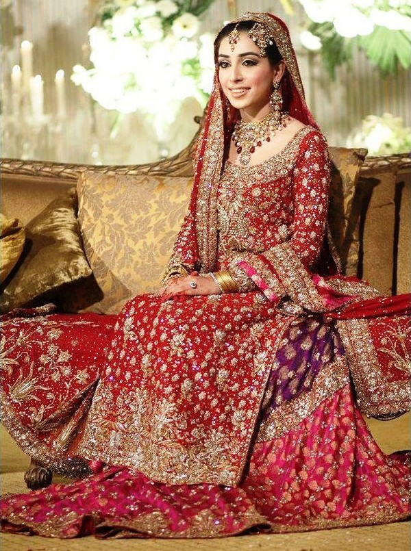Gharara_dress_with_embroidered_duputta